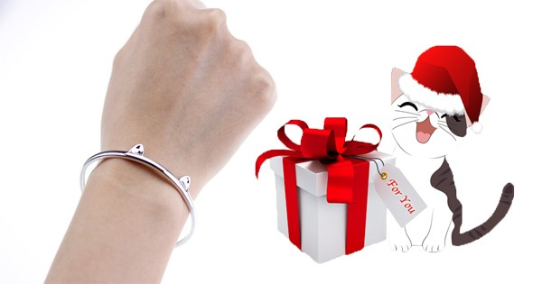 Cat Paw Bangle
