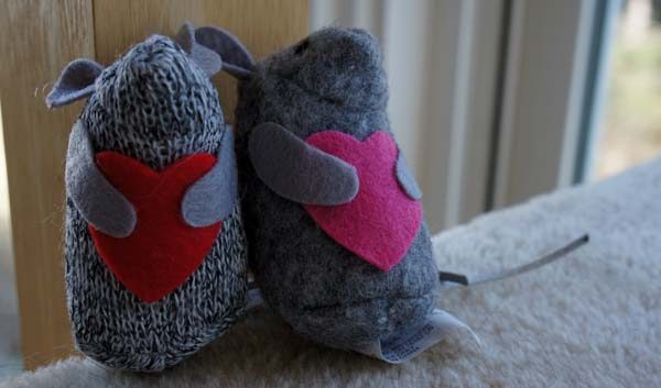 catnip valentine mice