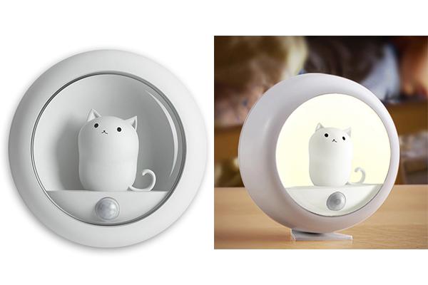 Triple T Studios  Motion Sensor Cat Light